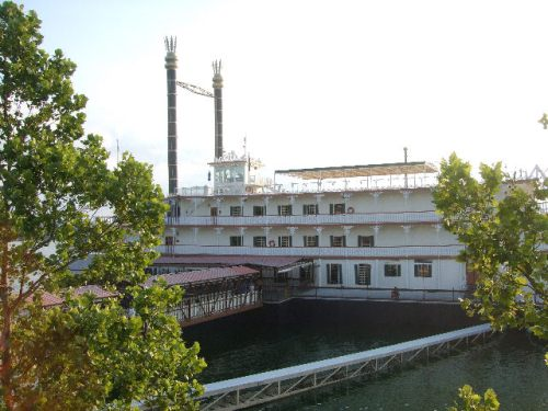 Steamboat Branson Belle